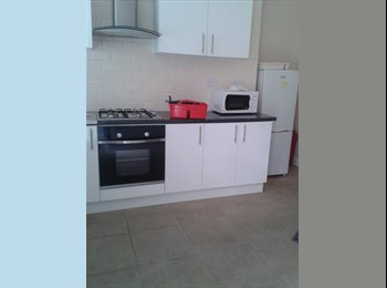 rooms to let opposite university