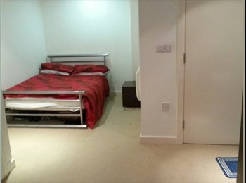 EasyRoommate UK - Mrs - Crystal Peaks, Sheffield - £495 pcm