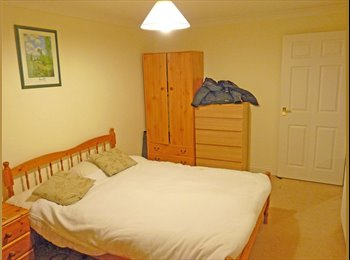 3 or 2 furnished rooms in lovely purpose built modern flat