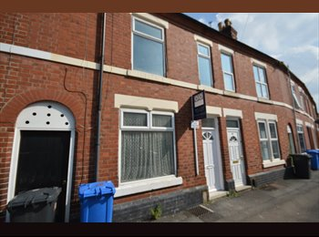 EasyRoommate UK - 5 Bed House share, close to uni and city, 3 ensuites, fully furnished all inclusive - Derby, Derby - £455 pcm