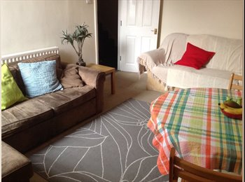 EasyRoommate UK - Double room available to rent in West Jesmond - Newcastle - Jesmond, Newcastle upon Tyne - £325 pcm