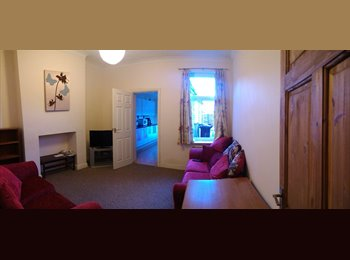 EasyRoommate UK - Large double bed room in Ripon Street  - Lincoln, Lincoln - £368 pcm