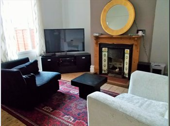 EasyRoommate UK - Beautifully Renovated Period House Offers you a warm welcome and a pleasant stay - Erdington, Birmingham - £350 pcm