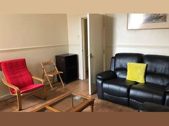 EasyRoommate UK - Double Rooms Great All Inclusive Flatshare Fenham - Fenham, Newcastle upon Tyne - £328 pcm