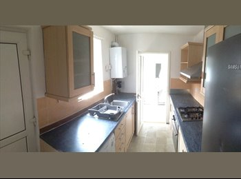 EasyRoommate UK - BEST house share in Luton!! - Luton, Luton - £390 pcm
