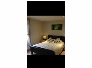 EasyRoommate UK - Large Double room for rent short/long term - Westgate Hill, Bradford - £400 pcm