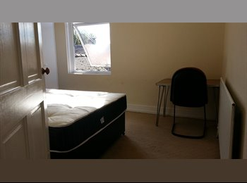 close to Festival Park, ST14BQ, Double room to let,70/W...