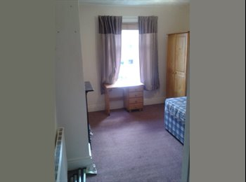 EasyRoommate UK - Spacious Double bed room  - Southampton, Southampton - £351 pcm