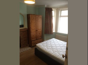 EasyRoommate UK - Ground Floor Room Tonbridge near Station 10 mins walk - Tonbridge, Tonbridge - £550 pcm