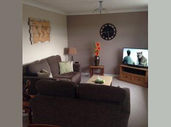 EasyRoommate UK - Double Bedroom in recently refurbished house.  - Huddersfield, Kirklees - £370 pcm