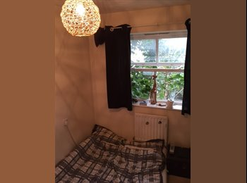 EasyRoommate UK - Nice room in quiet, green area of Bristol - St Annes, Bristol - £500 pcm