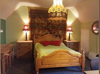EasyRoommate UK - cozy rooms in friendly flat - Hove, Brighton and Hove - £600 pcm