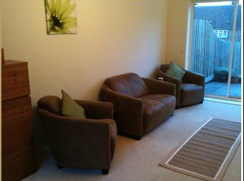 EasyRoommate UK - Double bedroom in a lovely home available from October15 - Wellingborough, Wellingborough - £435 pcm