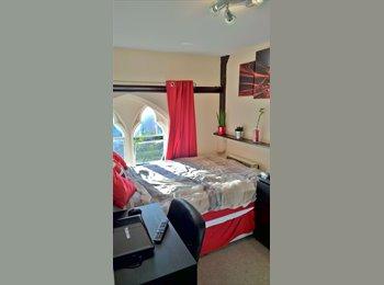 EasyRoommate UK - Room to let in Victorian school building - Cheltenham, Cheltenham - £350 pcm