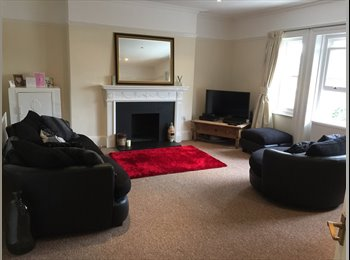 EasyRoommate UK - Spacious Two Bedroom Flat Very Close to Surbiton Station - Surbiton, London - £1,375 pcm