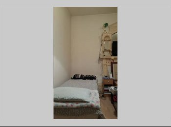 EasyRoommate UK - Excellent Location Studio opp hyde park - Paddington, London - £1,100 pcm