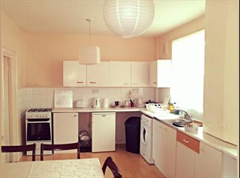 EasyRoommate UK - Available Doubleroom In Romilly Road - Finsbury Park, London - £550 pcm