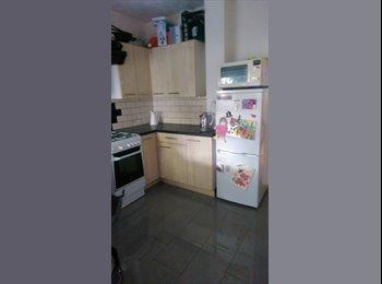 EasyRoommate UK - Bright modern house in roath  - Roath, Cardiff - £850 pcm