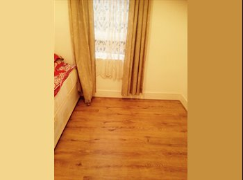 EasyRoommate UK - Newly Refurbished- Semi Double room  - Barking, London - £105 pcm