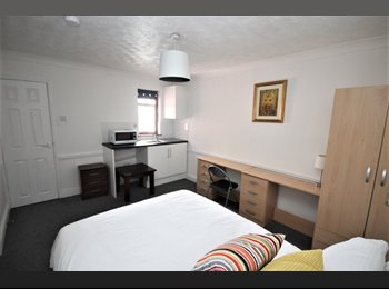 EasyRoommate UK - **Ensuite Rooms - All Bills Included** - Basildon, Basildon - £650 pcm