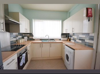 EasyRoommate UK - Furnished Room Available in Wombwell. - Barnsley, Barnsley - £300 pcm