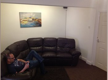 EasyRoommate UK - Rooms available in a friendly house - Orford, Warrington - £368 pcm