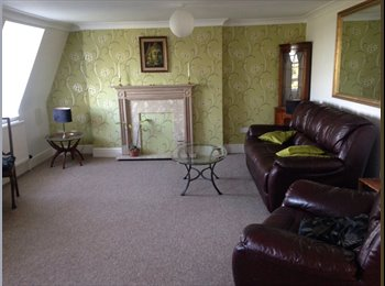 EasyRoommate UK - Awesome Room in Top Floor Flat with a View - Devonport, Plymouth - £450 pcm
