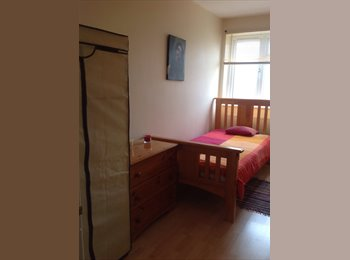 EasyRoommate UK - Single room Southsea - Southsea, Portsmouth - £380 pcm