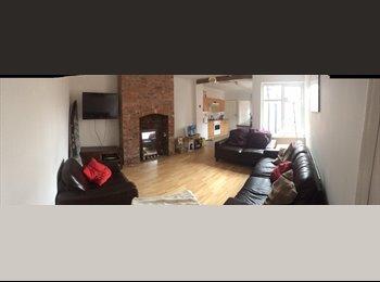 EasyRoommate UK - Double Room in Heaton - Heaton, Newcastle upon Tyne - £195 pcm