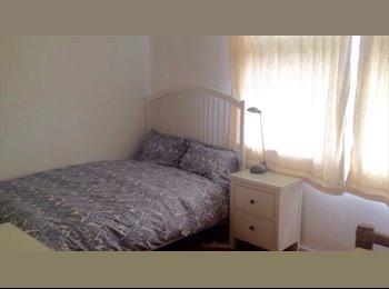 EasyRoommate UK - Double Room - Paddington, London - £1,000 pcm