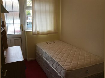 EasyRoommate UK - 2 Rooms to rent in Canterbury close to University - Canterbury, Canterbury - £300 pcm