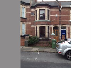 EasyRoommate UK - 4 bed student house to rent in Park Road, Exeter.  £400 per room, per month, Exeter - £400 pcm