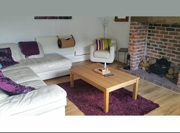 EasyRoommate UK - Double unfinished room to let in shared house. - Clayton, Bradford - £350 pcm