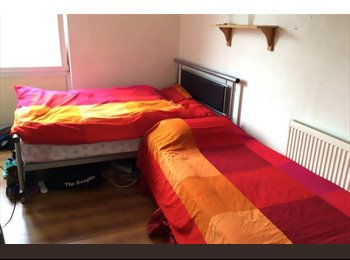 EasyRoommate UK - Shared room near Liverpool  - Bow, London - £400 pcm