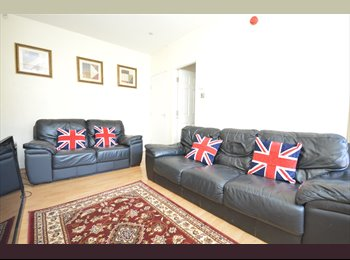 5-bed house with good access to Headingley