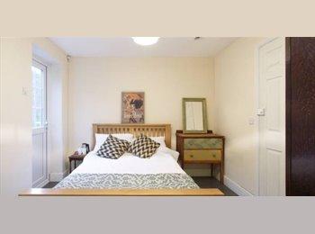 Double Rooms in Modern House - Buckingham Street, Aylesbury