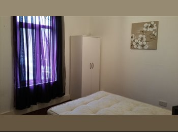 LARGE DOUBLE ROOM AVAILABLE NOW**ALL BILLS INCLUDED***