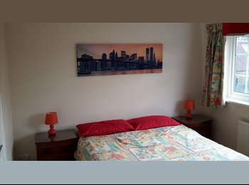 EasyRoommate UK - Double room ensuite  - Aylesbury, Aylesbury - £550 pcm