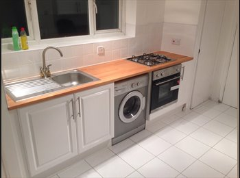 EasyRoommate UK - Fully Furnished Single Room in Manor Park - Manor Park, London - £478 pcm