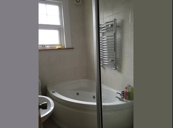 EasyRoommate UK -  semi detached property in Sydenham (London) zone 3 with 2 double rooms To Let - Sydenham, London - £615 pcm