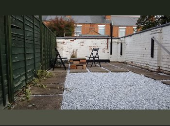Single and Double room in well loved house. Would suit...