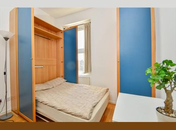 Pretty Studio Flat in Earls Court
