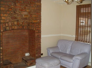 EasyRoommate UK - Double Furnished Room West St, Hoole - Hoole, Chester - £330 pcm