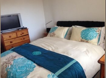 Double Room In Hamworthy close to train, bus routs and many...