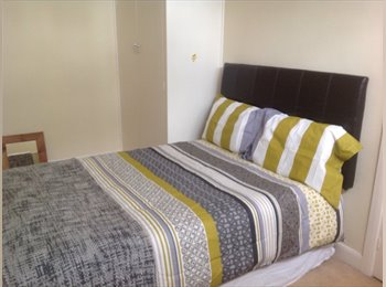 Two lovely double study bedrooms in quiet house