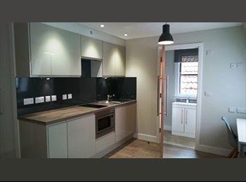 EasyRoommate UK - Brand New STUDENT Studio Apartment (All Inclusive) - Bristol City Centre, Bristol - £800 pcm