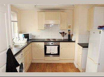 EasyRoommate UK - 5 bedroom shared home, refurbished - Walcot, Swindon - £375 pcm