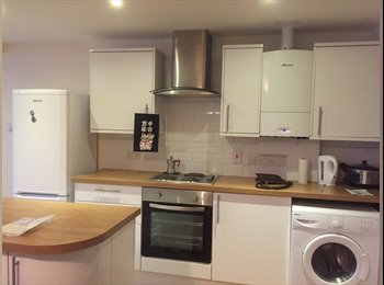EasyRoommate UK - A Big&Bright&Clean&Furnished Room  - Hove, Brighton and Hove - £698 pcm