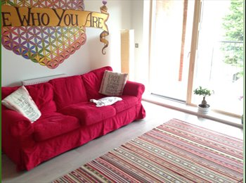 Large Double Room in Exclusive Apartment