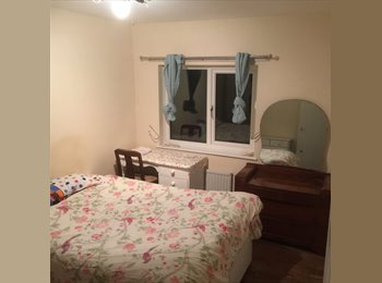 1 large refurbished room with a double bed, in a 2 bedroom...